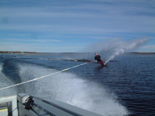 http://www.proskicoach.com/forum/uploads/4080_fall_skiing_2010_007.jpg